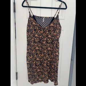 Xhilaration Blk Floral Mesh Back Mini Shift Dress